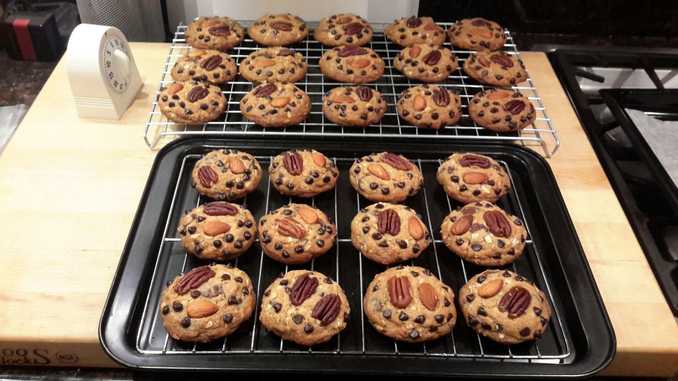 Nuts and Chocolate chips cookiees