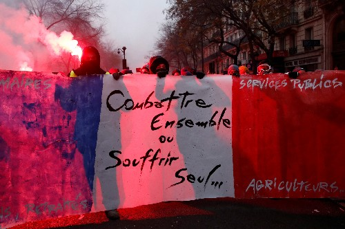 French unions call for new day of action on December 10