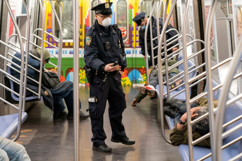 New York's Subways Get a Bath: Pictures
