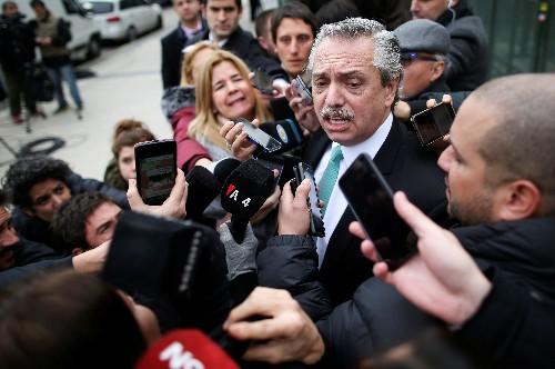 Candidato Fernández dice que alinearía a Argentina con postura de México y Uruguay sobre Venezuela