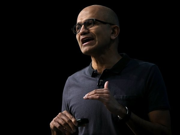 Microsoft slashes 2,000 jobs as its smartphone business crumbles