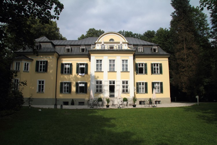 The Sound of Music tour: Salzburg beyond the tourist Trapps