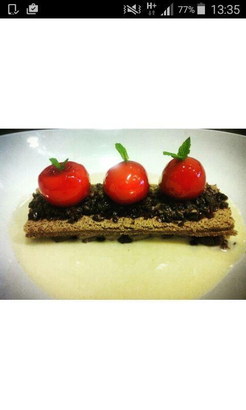 Falso tomate cherry (Jon Oyarbide)