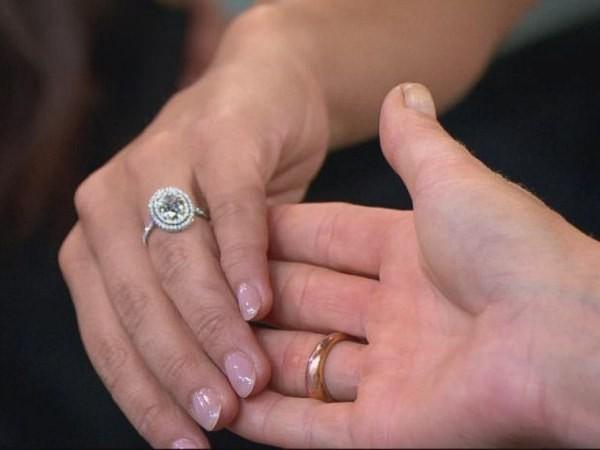 Get a Closer Look at Andi Dorfman's Stunning Engagement Ring