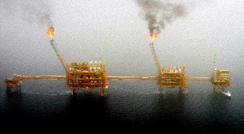 U.S. to announce end to sanctions waivers for Iran oil imports: Washington Post