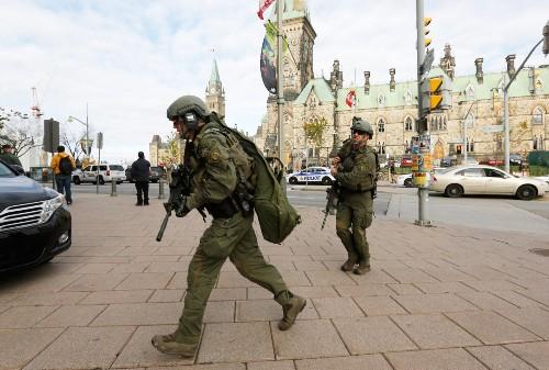 Gunman Kills 1 in Ottawa: Pictures