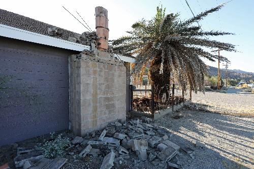 Strong aftershock jolts same California desert region day after major quake