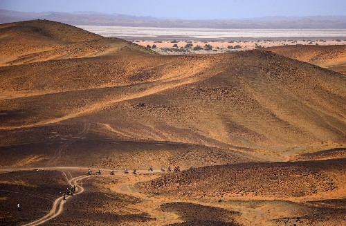 Grueling Mountain Bike Race in the Desert: Pictures