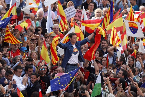Pro-separatists stage new Barcelona rallies, government says violence fading