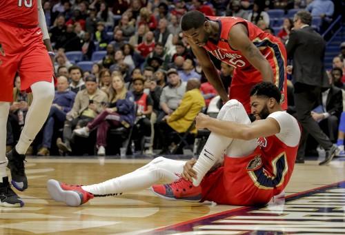Davis, Randle power Pelicans past Mavs