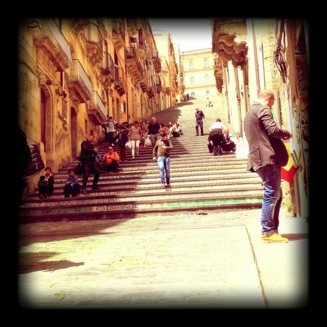 La stupenda scalinata di #caltagirone. Famosa nel mondo. Città che ha dato i natali a Don Luigi Sturzo.