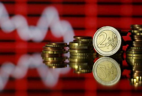 """Евро на трехнедельном минимуме из-за возможного роста курса доллара с помощью """"ястребов"""" из ФРС"""