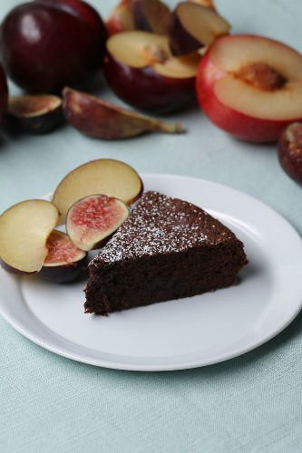 Need A Quick Dessert In A Pinch? This Chocolate Cake Only Has TWO Ingredients