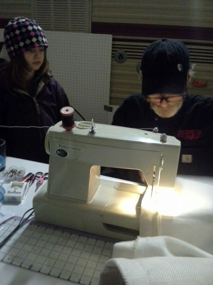 Frankie showing Haylie how to sew! =)