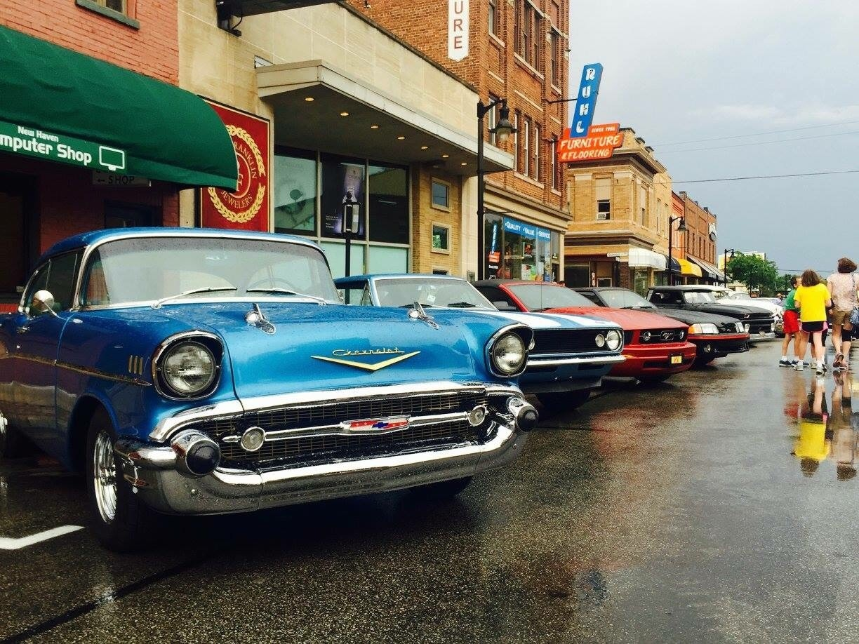 Classic cars on Broadway, New Haven, IN