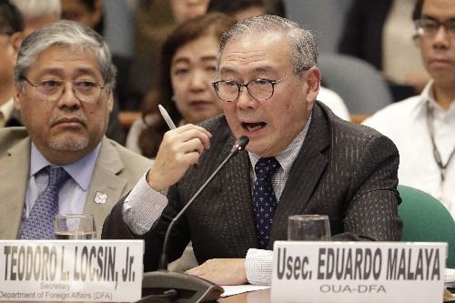 Philippine official defends US pact after Duterte threat