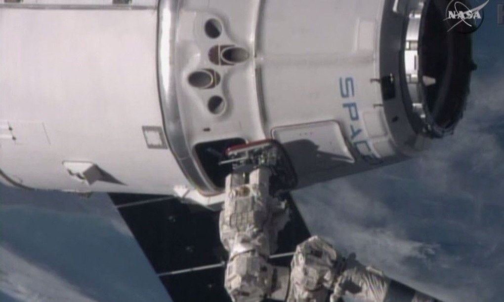 Google mulls SpaceX investment to supply global internet access by satellite