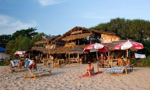 Thailand closes 'overcrowded' Koh Tachai island to tourists