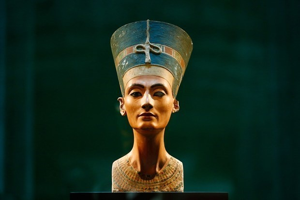 Lost tomb of Egyptian Queen Nefertiti could be a radar-scan away