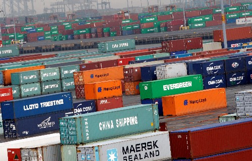 Trade woes are slowing U.S. economy, U.S. budget experts say