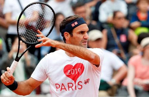 Tennis: Federer returns on opening day at Roland Garros