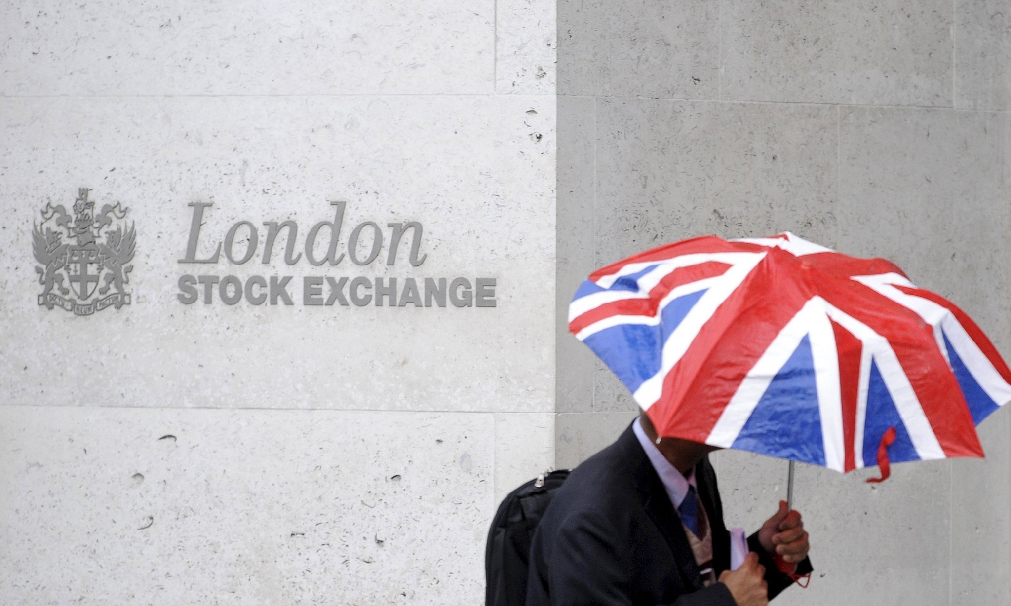 Referendum jitters hit value of UK stock market flotations