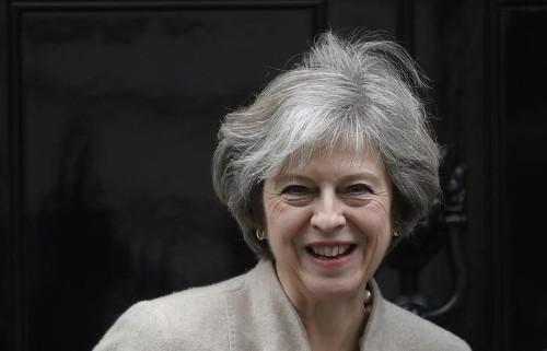 May appelliert vor Brexit-Verhandlungen an nationale Einheit