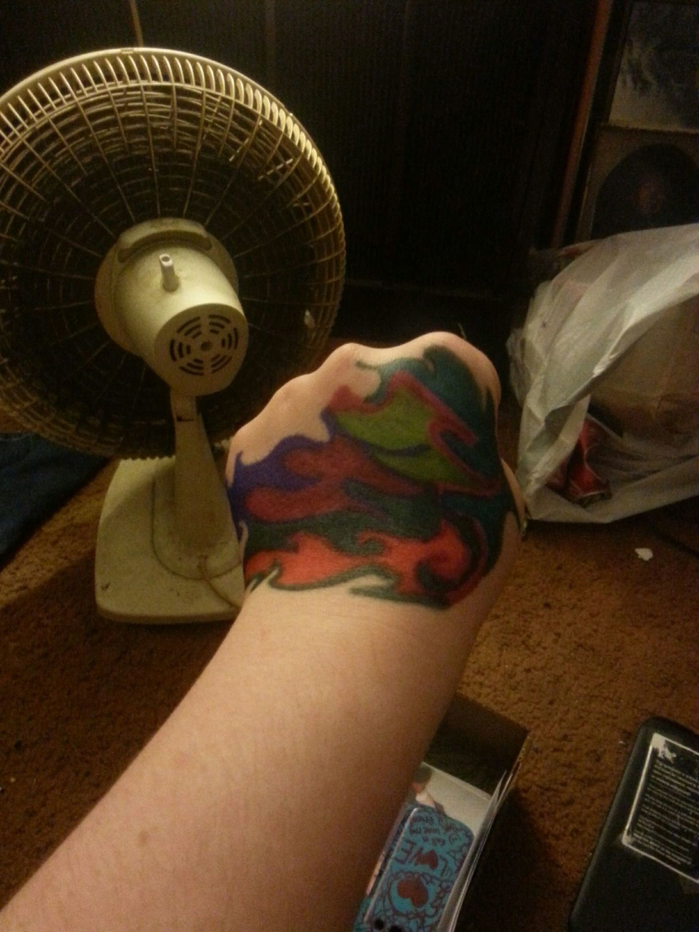 I drew this on my hand because I was bored... What do you think???????????¿¿¿¿¿¿¿¿¿¿¿¿¿¿