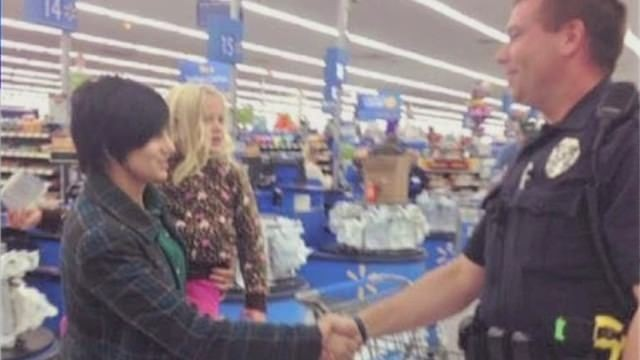 Cop buys mom car seat instead of ticket - CNN Video