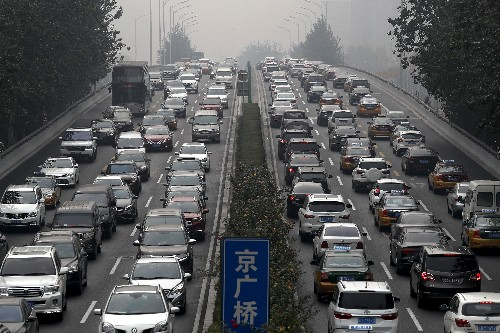 China's auto sales sink 6.3% in September