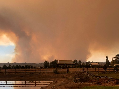 Record Australian heat brings fire to a scorched land