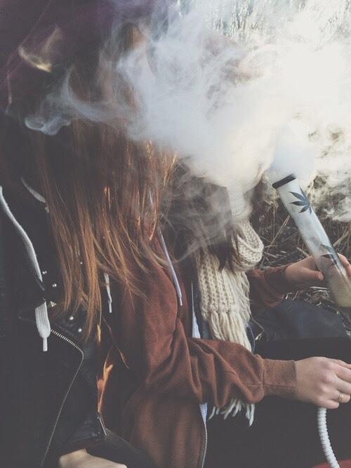 """""""¿Afecta el uso prolongado de marihuana en aspectos de la vida de sus consumidores, y en la vida de los que recientemente han dejado de ser consumidores?"""" - Magazine cover"""