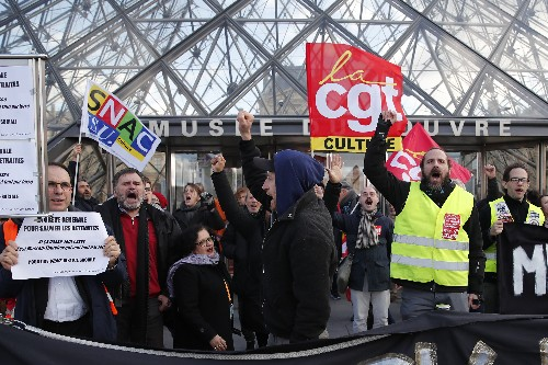 Protests close Louvre museum in Paris amid pension strikes