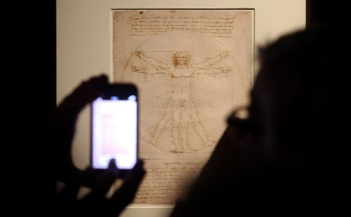 "Da Vinci's ""Vitruvian Man"" drawing can go on loan to Louvre"