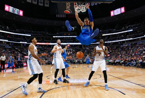 Young players guide Mavericks past Nuggets