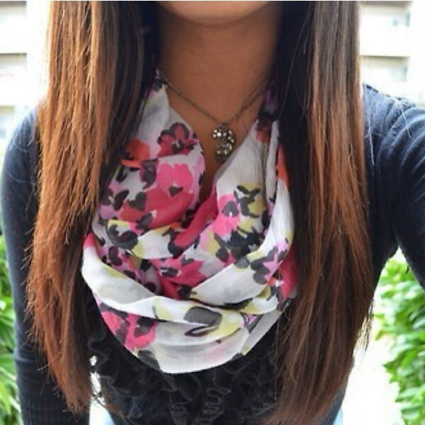 Cute top and floral scaf !