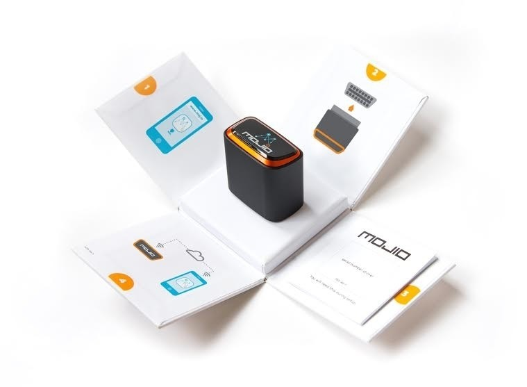 Mojio launches its plug-in car module that connects the unconnected car