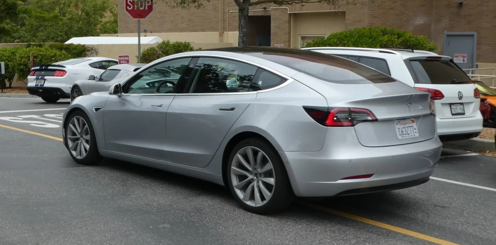 Tesla Model 3: new high-res shots of the latest silver release candidate spotted