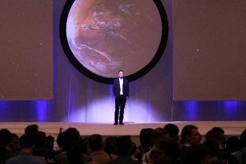 Billionaire Elon Musk outlines plans for humans to colonize Mars