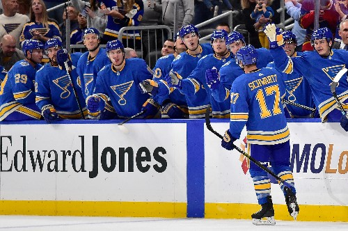 2nd-period barrage lifts Canadiens past Blues