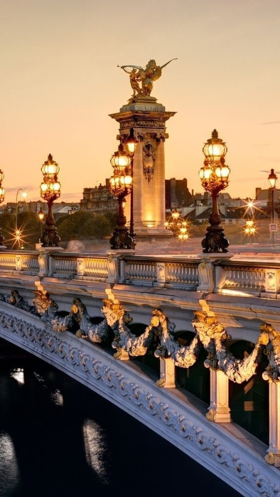 Pont Alexandre, Paris (France)