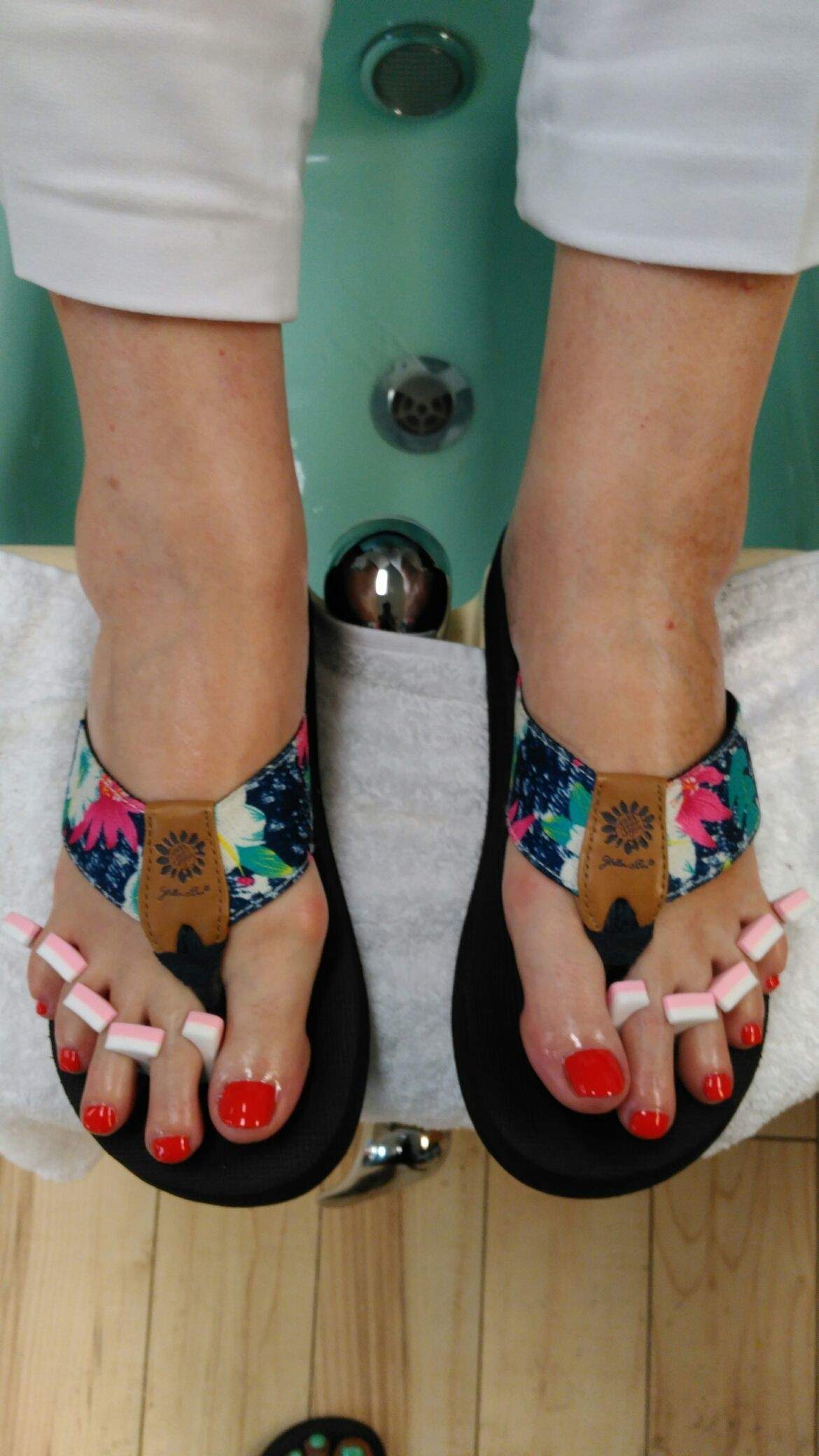 Thank u so much Ms. Gene for getting your #toes done with #ThaPolishQueen today! #ComeSeeMe #PrettyGurlsFeet #CleanBlackMasterNailTech #IDoNotRush #ITakeMyTime #UrMoneyWillBeWellSpent #UrToesMustBePerfectBeforeYouLeave #ComeExperienceMyHomemadeScrub #SpaologyNailSpa #ISupportBlackOwnedBusinesses Spaology Nail Spa & More 3000 Kavanaugh Blvd, Ste. C LR, AR 72205 To book your appointment email me @ PrettyGurlsFeet@gmail.com or call me at the salon @ 501.265.0303 or to book directly and purchase your service... Go to my website @ me on IG: @ms_beautiful_feet #ImWaitingOnYou