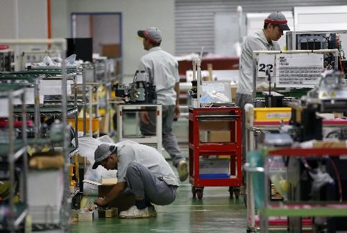 Singapore February factory output expands 0.7 percent
