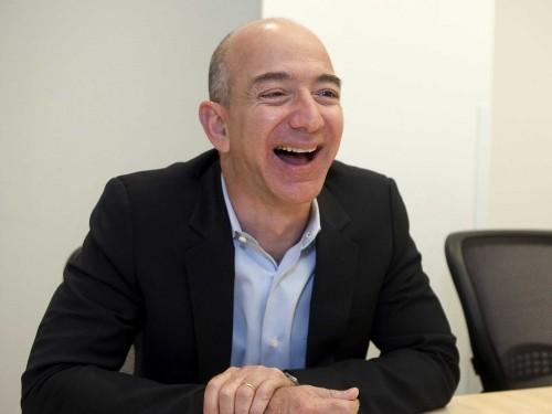 REPORT: Amazon wants to buy some of RadioShack's stores