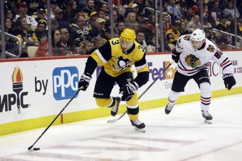NHL roundup: Kane, Blackhawks outscore Leafs