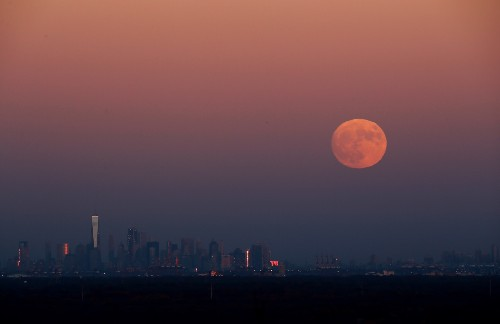 Supermoon Rising: Pictures