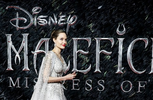 Jolie and Pfeiffer battle for power in 'Maleficent' sequel