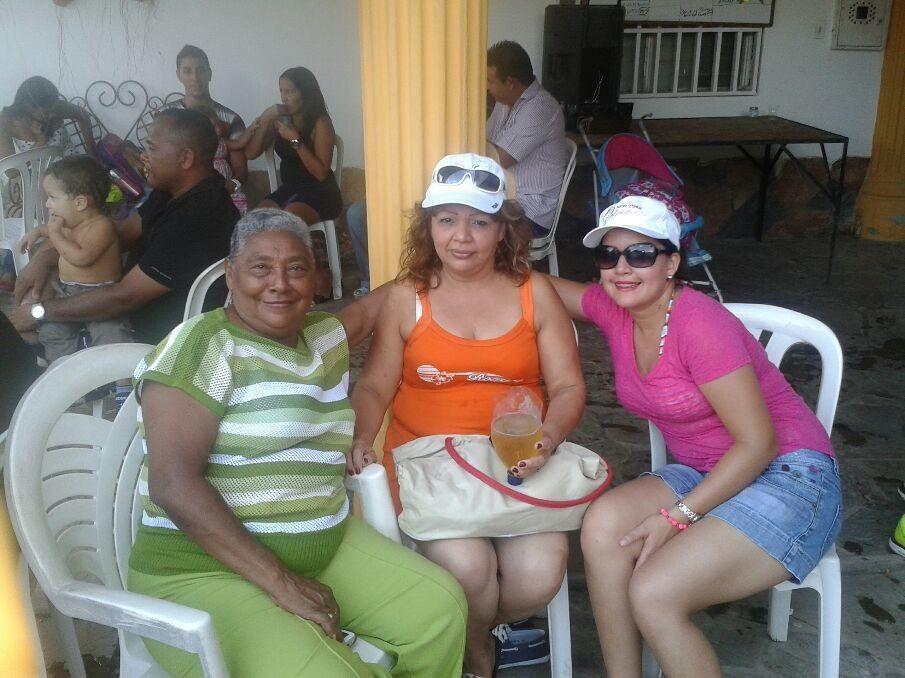 Compartiendo mi popola mi hija Nata y Tia Ocarina