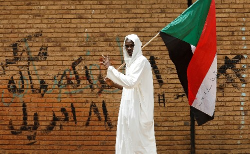 More protesters flood Sudan's sit-in to demand civilian rule