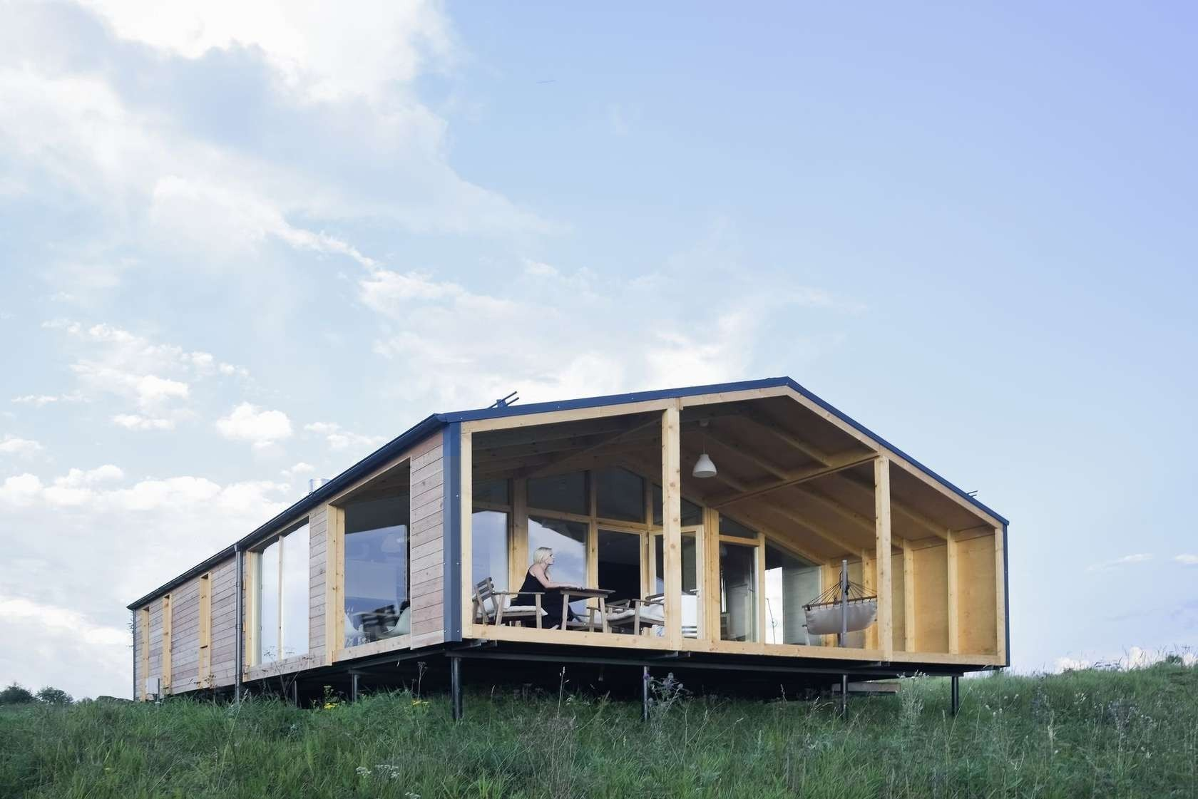 Affordable prefab cabin Dubldom now accepting U.S. pre-orders
